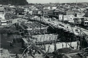 The new bridge under construction.