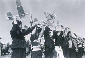 Model airplane competition (1957)
